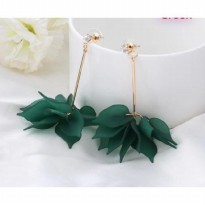 Anting Korea Kekinian Falling Flower Petals Long Earrings