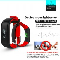 I-ONe Smartwatch D30 With Heartrate And Bloodpresure Monitor