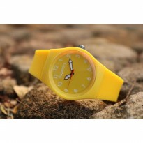 Jam Tangan Analog SUPERDRY RUBBER YELLOW