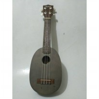 Hofma Ukulele Soprano Hawaii Grey + Softcase