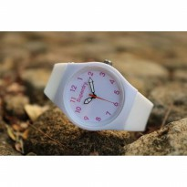 Jam Tangan Analog SUPERDRY RUBBER WHITE