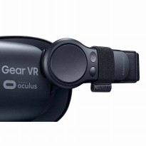 Samsung Gear VR (2017 Edition) with Controller Virtual Reality Headset SM-R325 for Galaxy S8, S8+, S