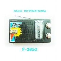 RADIO PORTABLE INTERNATIONAL F 3850 JADUL AC / DC