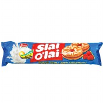 Roma Biskuit Slai Olai Strawberry 133 gram