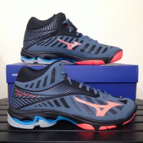 MIZUNO SEPATU VOLLEY BADMINTON  V1GA180565	WAVE LIGHTNING Z4 MID - BLUE MIRAGE FIERY CORAL BLACK