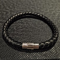 Real Leather Bracelet - Gelang Kulit Asli Pria Wanita - Bottega Looks - Black