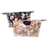 (Bunga Rose dan Batik) Pouch Tas Kosmetik Bag Make Up Body Lotion Aksesoris
