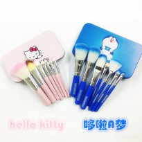 Kuas Make Up Kosmetik Motif Doraemon atau Hello Kitty / 7 pcs / Make Up Brush Set
