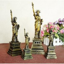 Miniatur Logam Lady Liberty New York (15cm)