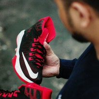 Sepatu Basket Nike Zoom Devosion - Black/Red