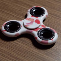 Spinner Motif White Red