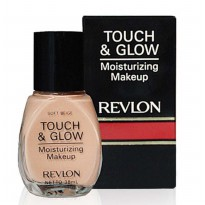 Revlon Touch & Glow Liquid Make Up 38ml