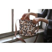 Charming Water Resistant Shoulder bag / Tas Selempang Motif