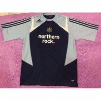 JERSEY ORIGINAL NEWCASTLE UNITED RETRO TRAINING 2007