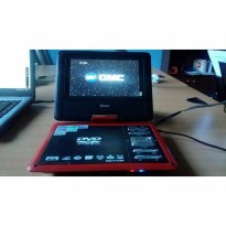 GMC - DVD Player Portable Seri DIVX-808Q 7 Inch