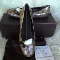 NWB Gucci Chrystal Flat Shoes Size 38