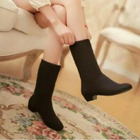 Ankle betis suede boot