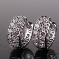 Anting 18k white gold filled double row zirconia hollow back huggies earrings