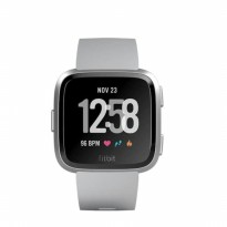 Fitbit Versa Watch - Gray Silver Aluminium One Size (S & L)