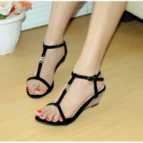 Wedges T-Strap Double Suede Hitam Nafiza