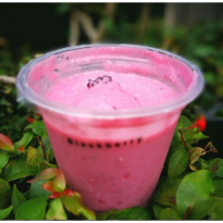 Yogurt Rasa Blackberry dan strawbeery