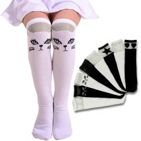 Striped Gauze Socks for Girls / Kaos Kaki Anak Selutut | Black n White | Umur 3-5 Tahun