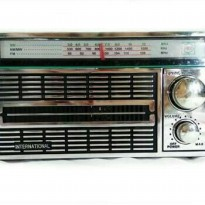 Radio portable INTERNASIONAL jadul 3 Band Fm-Am-Sw AC/Dc -4250 Antik