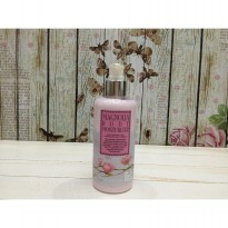 Lotion / Donna Chang Magnolia Body Moisturizing