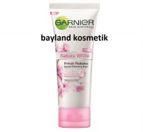 Garnier Sakura White Pinkish Radiance Foam 100ml