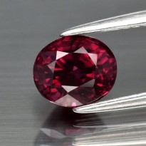 Exelent 1.73ct 7x6mm Oval Natural Pink Rhodolite Garnet Madagascar