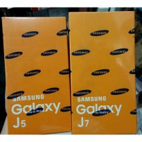 BNIB Samsung Galaxy J7 / J700 New SEIN black n white READY STOCK !!!