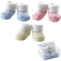 Luvable Friends Boxed Fuzzy Cuff Socks