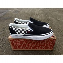 vans slip on checkerboard pro trasher wafle dt