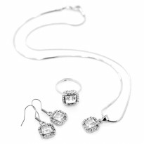Sophie Paris Perhiasan Wanita Zulfa Necklace Silver-N00670S3