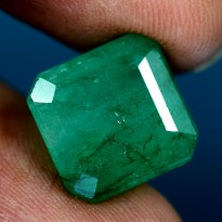 Emerald Natural 8.70 CT Transparent GIE CERTIFIED Gemstone