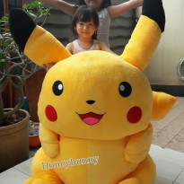 Boneka pokemon pikachu super giant