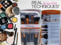 Real Techniques Core Collection Make Up Brush Kuas Dandan Bulu Lebat dan Halus