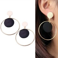 Round Vintage Wood Earrings - Black