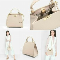 [CHARLES&KEITH] TURNLOCK CITY | LARGE SIZE | BEIGE
