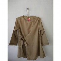(POP UP AIA) Blouse