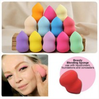 ROUNDED BEAUTY BLENDER SPONGE / BLENDING SPONGE /VOV