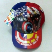 topi Karakter + Pin : Captains America vs Ironman