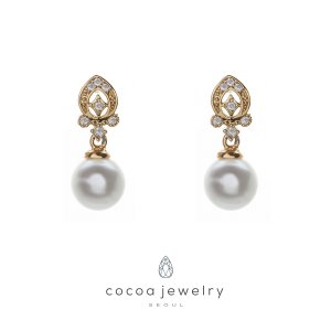 Cocoa Jewelry Anting Beautiful in White