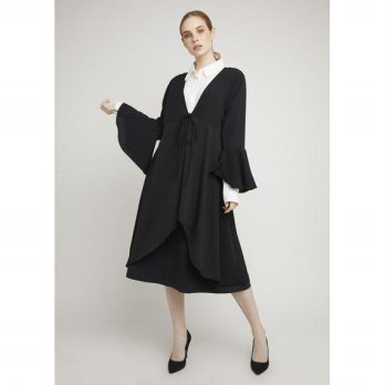 LAIQA Amal Black Outer