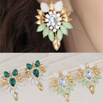 RAT1018W - Aksesoris Anting Retro Leaves Gems