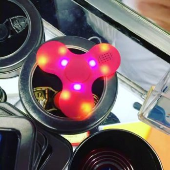 Fidget Spinner BLUETOOTH AUDIO SPEAKER Lampu Toys Spiner