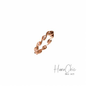 HanaChic Jewelry Esmeralda Ring Rose Gold