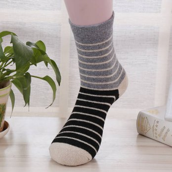 [globalbuy] 2017 Brand New Stripe Style Men Wool Socks Causal Autumn Winter Man Middle Swe/4213214