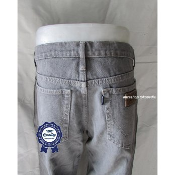 Celana Jeans Branded Wrangler Standar/Regular Abu-abu 27-32 CO