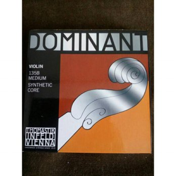 senar biola dominant 135b set (GDAE) (original) for profesional